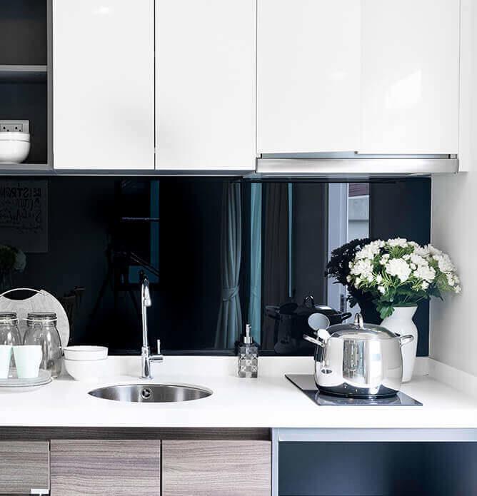 Glass over kjøkkenbenk i alle farger og formater