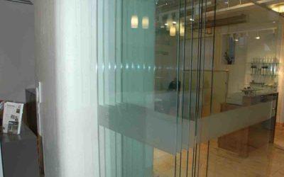 Glassdør foldedør til butikk eller resepsjon