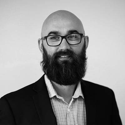 Artur Olaf Jensen er Selger for Glassmester1 i Oslo og Romerike